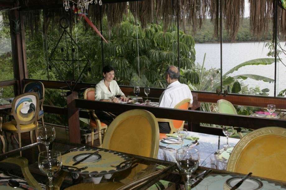 O restaurante Patú Anú também é ideal para jantares românticos às margens do Lago Paranoá