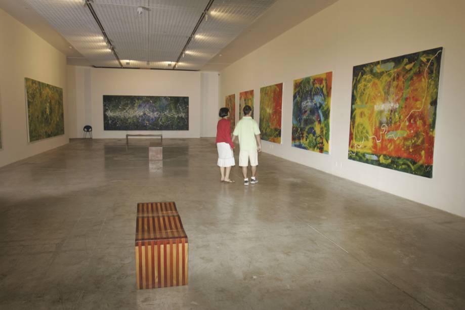 Os amantes da arte podem visitar as cinco galerias da Caixa Cultural no setor bancário do sul