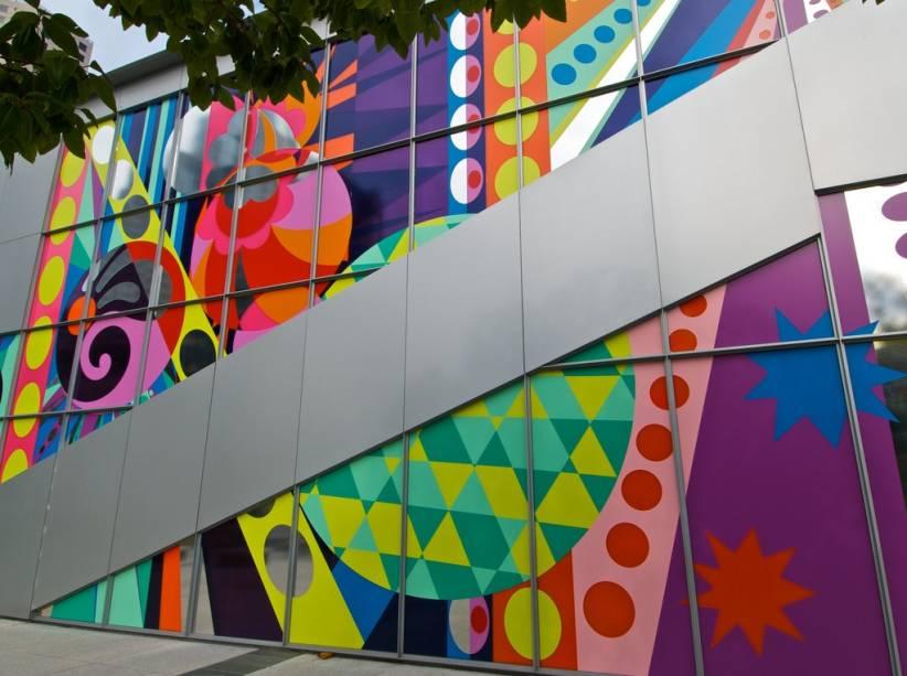O Yerba Buena Center of Arts é um local popular onde a Apple lança seus produtos, como iPods e iPads