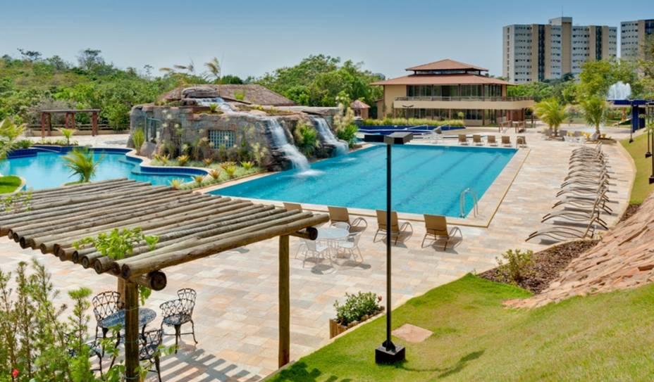 """OU""""http://viajeaqui.abril.com.br/estabelecimentos/br-go-caldas-novas-hospedagem-ecologic-ville-resort-spa"""" rel =""""Ecological Ville Resort & Spa"""" Meta =""""_vazio""""> Ecologic Ville Resort & Spa em Caldas Novas, Goiás, possui dez banhos termais, hidromassagem, sauna, uro e até tratamentos de beleza"""" class=""""lazyload"""" data-pin-nopin=""""true""""/></div> <p class="""