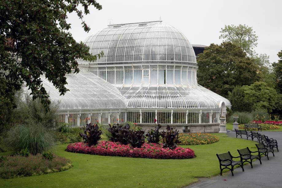 O Jardim Botânico de Belfast é uma ótima opção para turistas que procuram um passeio mais tranquilo entre várias espécies de pássaros e plantas exóticas.  O espaço também recebe shows e eventos