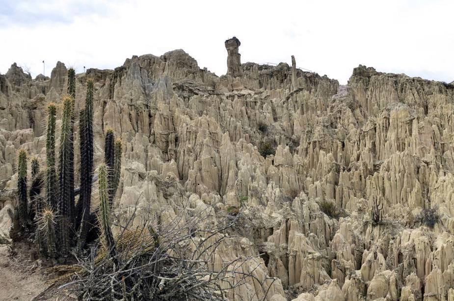 Uma das atrações de La Paz é o Vale da Lua com formações rochosas causadas por séculos de erosão