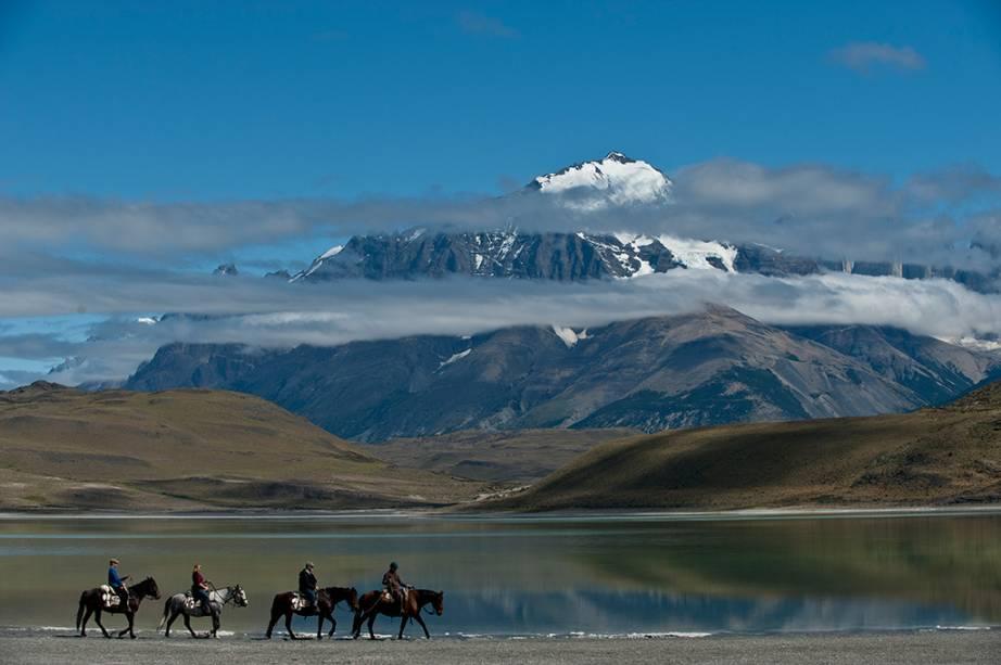 Passeios a cavalo na área de Torres del Paine
