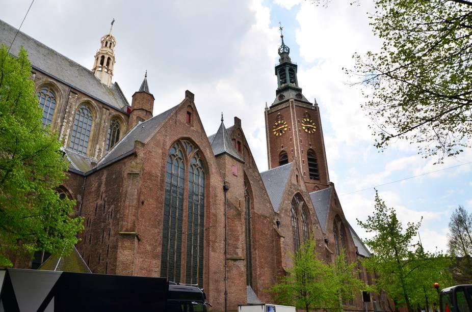 O Grote von Sint-Jacobskerk é uma igreja protestante considerada um dos edifícios mais antigos de Haia, na Holanda.  Membros da casa Orange-Nassau foram batizados aqui