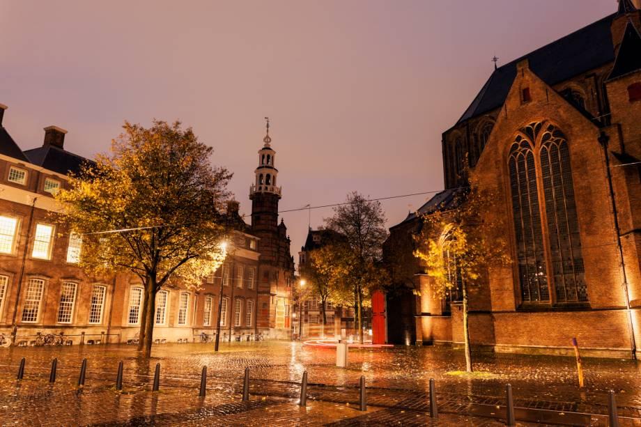 A Antiga Prefeitura de Haia, na Holanda, é um edifício renascentista que já recebeu vários eventos importantes para a elite holandesa e a família real.  O interior é composto por uma decoração clássica repleta de belas pinturas
