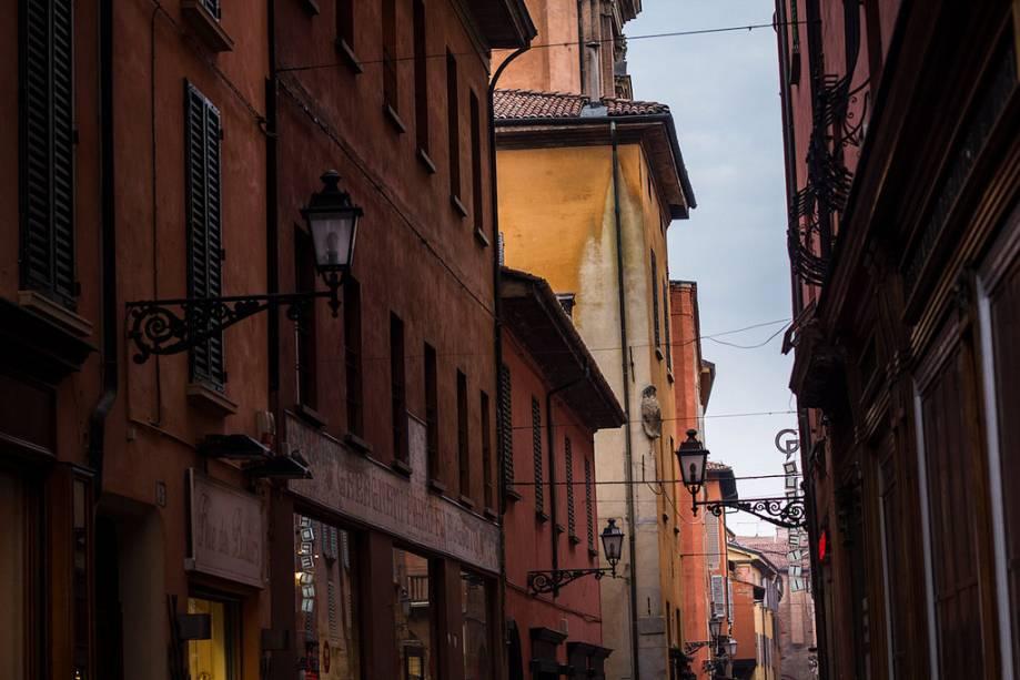 """Ruas do centro histórico de""""http://viajeaqui.abril.com.br/cidades/italia-bolonha"""" rel =""""Bolonha"""" Meta =""""_vazio""""><noscript><img data- src="""