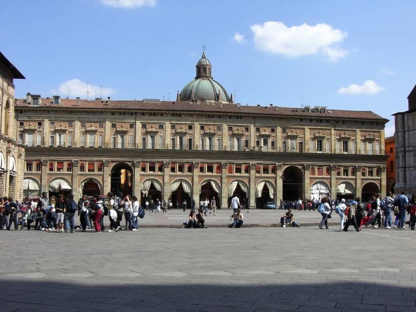 """Palazzo del Podestà, na""""http://viajeaqui.abril.com.br/estabelecimentos/italia-bolonha-atracao-piazza-maggiore"""" rel =""""Piazza Maggiore"""" Meta =""""_vazio""""><noscript><img data- src="""