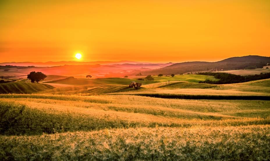 """Com seus vales e campos no horizonte, é o""""http://viajeaqui.abril.com.br/cidades/italia-toscana"""" rel =""""Toscana"""" Meta =""""_vazio""""> A Toscana é um dos destinos mais populares do mundo para admirar o pôr do sol""""http://viajeaqui.abril.com.br/materias/qual-eo-melhor-por-do-sol-do-mundo"""" rel =""""+ Qual é o melhor pôr do sol do mundo?"""" Meta =""""_vazio""""> + Qual é o melhor pôr do sol do mundo?"""" class=""""lazyload"""" data-pin-nopin=""""true""""/></div> <p class="""