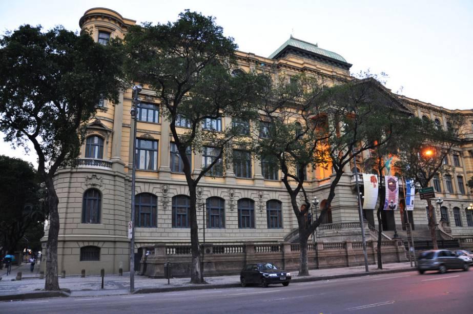 Com mais de 10.000 obras, a Biblioteca Nacional do Rio de Janeiro é a maior da América Latina