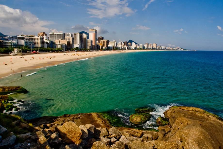 O Leblon, junto com Ipanema, forma o trecho mais movimentado das areias do Rio, sua ciclovia é repleta de famosos e dos mais anônimos famosos