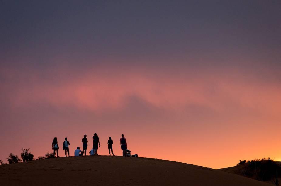 Uma das atrações mais populares do Jalapão é assistir ao pôr do sol nas dunas do parque