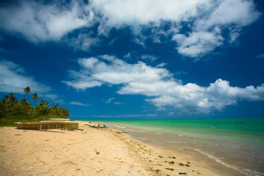 A praia do Patacho é a mais bonita da Costa dos Corais com águas cristalinas e inúmeros coqueiros