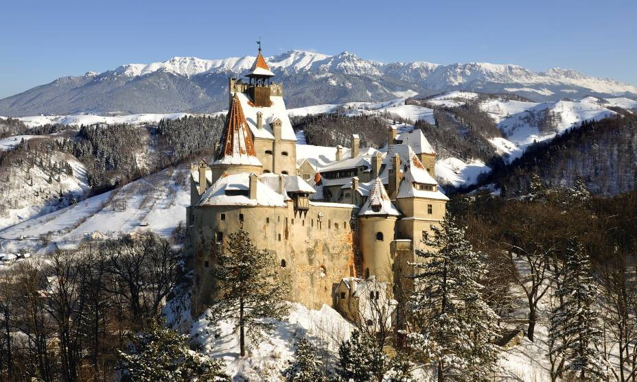 O imponente Castelo de Bran é a principal atração da Transilvânia, Romênia