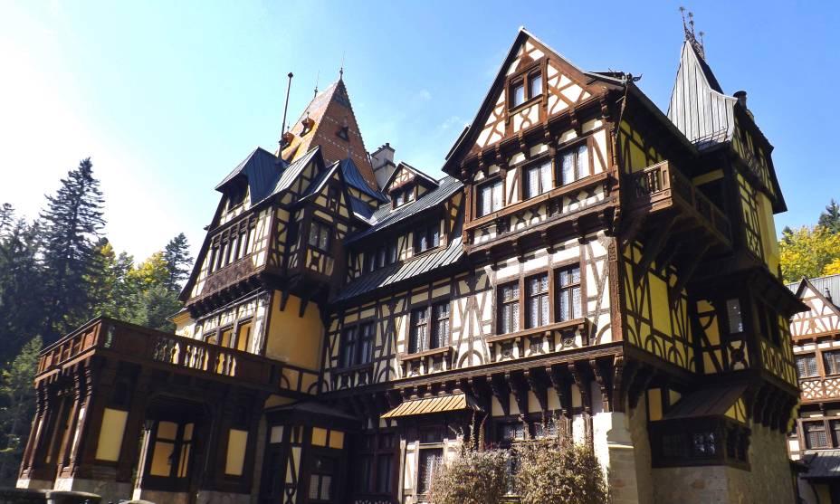 Os castelos fazem parte da paisagem da Transilvânia: existem mais de cem edifícios na região