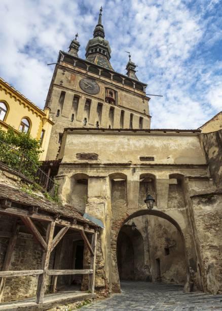 A torre do sino, principal local turístico de Sighisoara, na Transilvânia