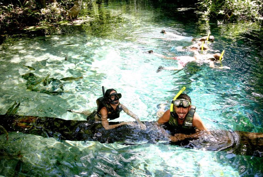 Não só Bonito (MS) encanta com seus rios cristalinos.  Nobres (MT) também é muito procurada para mergulho e natação