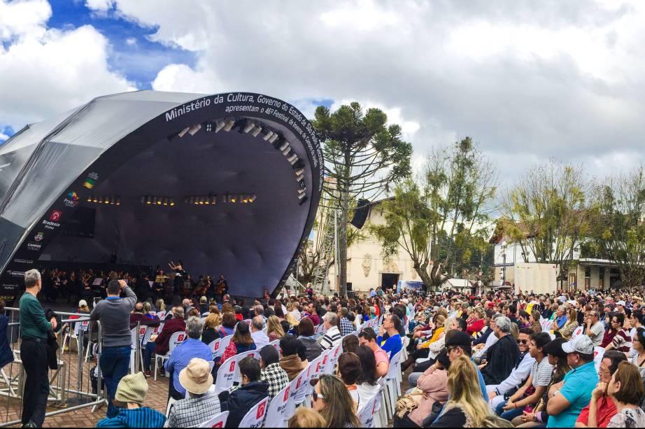 Uma das edições do Festival de Inverno de Campos do Jordão, considerado o maior festival de música clássica da América Latina