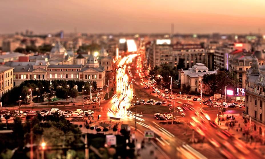 Pode não parecer, mas Bucareste, na Romênia, é lotada, vibrante, fresca e tem uma vida noturna muito interessante.
