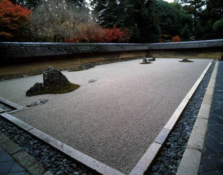 O famoso jardim de pedras do templo budista Zeno Ryoanji em Kyoto, usado para meditações