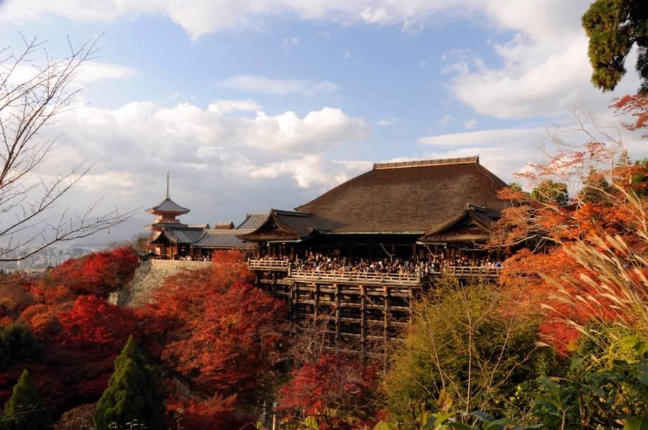 O histórico templo Kyomizudera oferece uma das melhores vistas de Kyoto