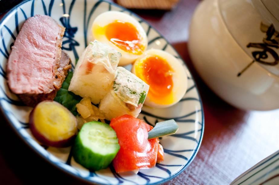 Mesmo um simples brunch em Kyoto pode seguir as regras dos banquetes kaiseki