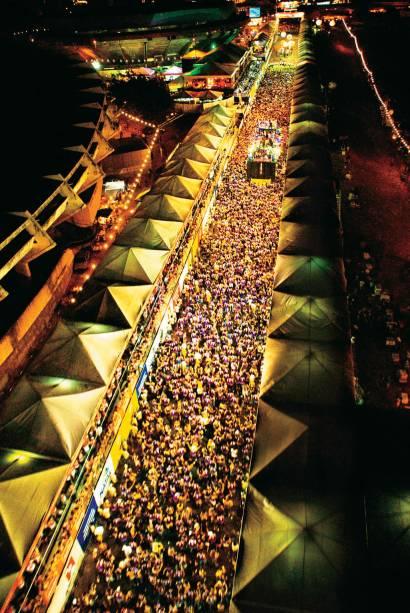 Em dezembro, Carnatal Micareta leva às ruas trios elétricos e cerca de 300 mil noturnos