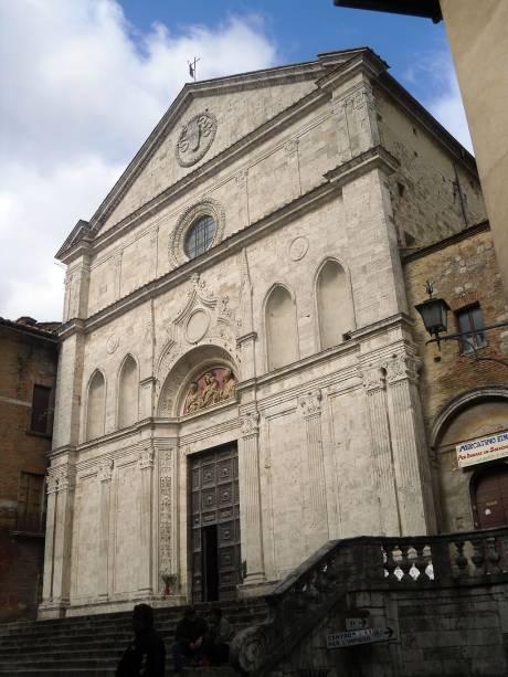 A igreja de Sant'Agostino é a mais antiga de Montepulciano. Os registros históricos indicam que a construção começou em 1285