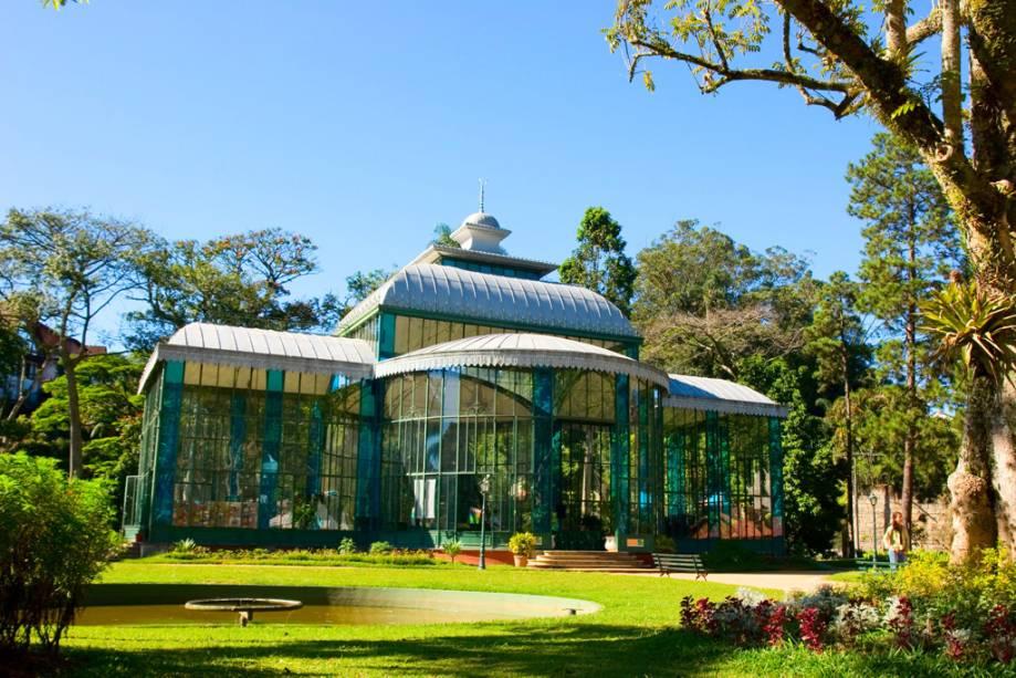 O Palácio de Cristal em Petrópolis, Rio de Janeiro, construído na França (e desmontado para o Brasil), foi um presente da Condé d'Eu para sua esposa, a Princesa Isabel