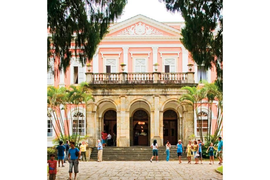 O Museu Imperial está localizado no antigo palácio de verão de Dom Pedro II em Petrópolis, Rio de Janeiro