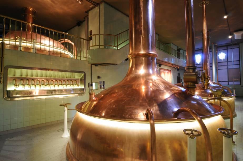 A antiga fábrica da Cervejaria Bohemia de 1853 abriu suas portas revitalizadas: foi transformada em uma cervejaria contendo cenários, painéis de toque, sons, luzes e vídeo 3D