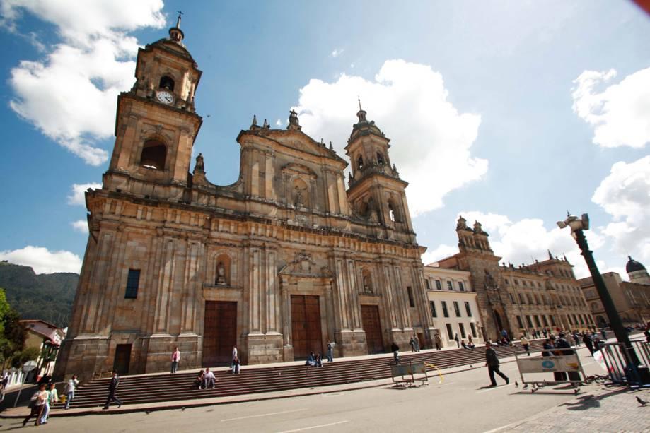 Em estilo neogótico, a Catedral dos Primazes na Plaza de Bolívar foi declarada monumento nacional