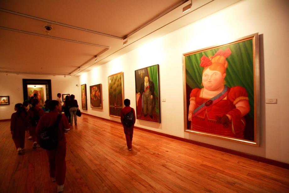 O Museu Botero possui 123 obras do mestre colombiano Fernando Botero, conhecido por suas pinturas rechonchudas, além de pinturas de outros artistas como Renoir, Dalí e Picasso.