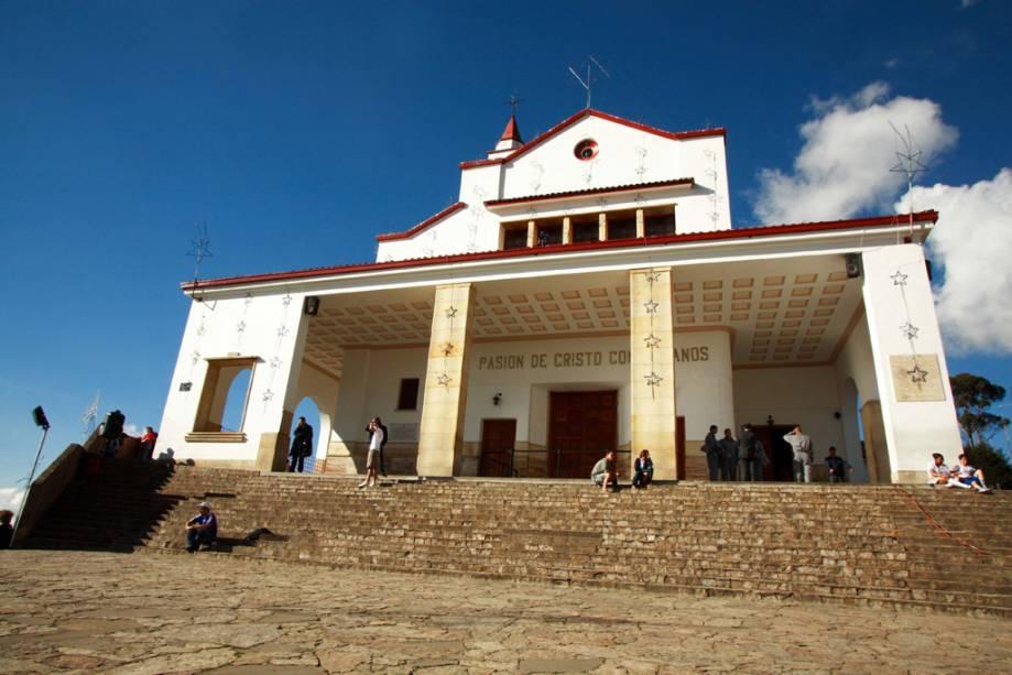 No topo do Cerro Monserrate, trilhas de caminhada levam ao Mosteiro de Monserrate, construído no século 17