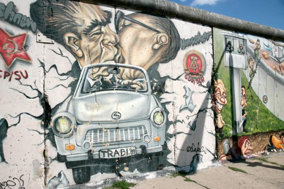 Toda a extensão do Muro de Berlim, que separou a capital do resto do país por 28 anos, pode ser apreciada em um passeio a pé ou de bicicleta