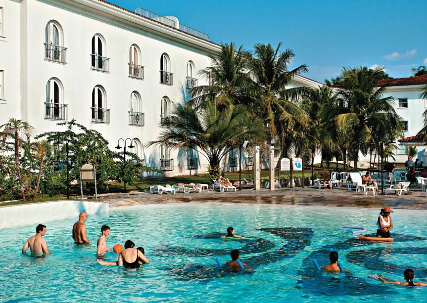 """piscina""""http://viajeaqui.abril.com.br/estabelecimentos/br-am-manaus-hospedagem-tropical"""" rel =""""Hotel tropical"""" Objetivo =""""_vazio""""> Hotel Tropical, que também possui zoológico, em Manaus (AM).  Foi eleito o melhor da cidade pelo GUIA BRASIL 2012: às margens do Rio Negro e longe do centro, é o hotel urbano mais próximo da selva"""" class=""""lazyload"""" data-pin-nopin=""""true""""/></div> <p class="""