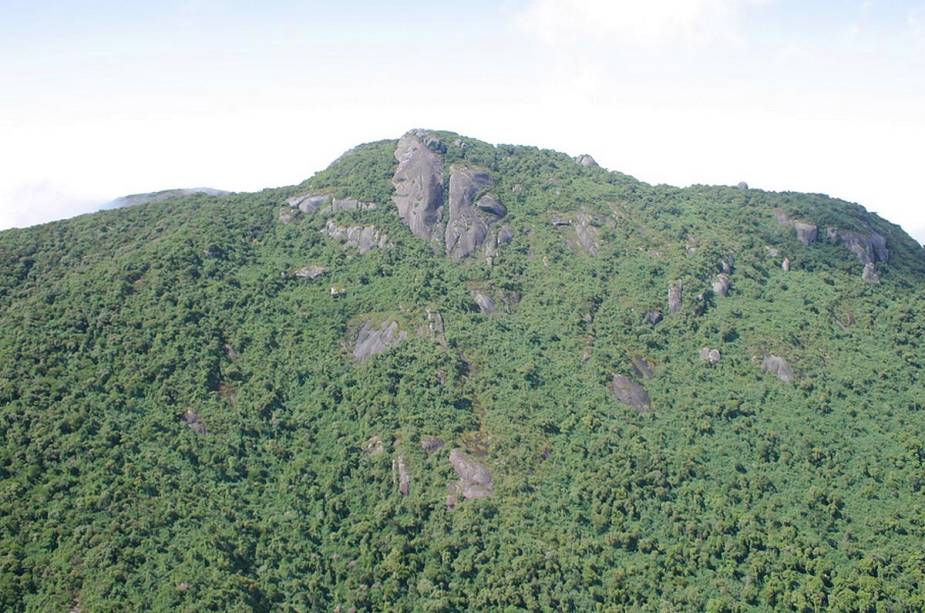 Na Pedra Partida, um destino de aventura para os amantes de montanhismo e rapel