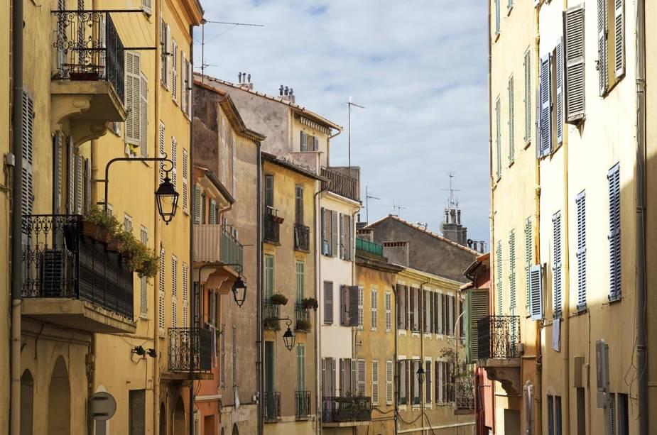 O centro histórico de Cannes, Le Suquet, foi construído em torno de um castelo medieval