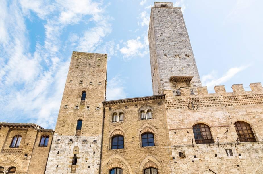 San Gimignano, na Itália, é famosa por suas torres, que na Idade Média mediam o poder das famílias mais ricas da região