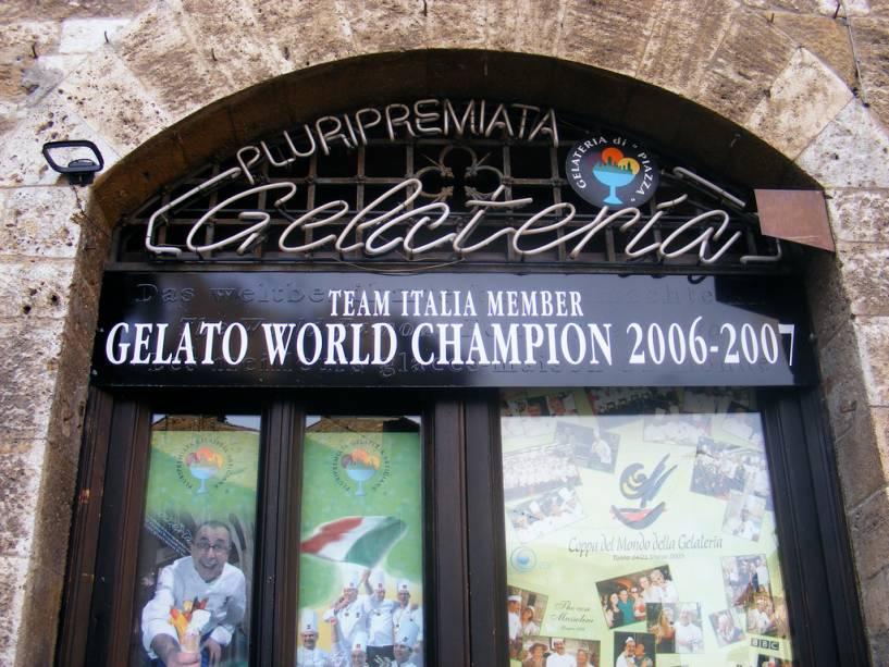 Além do vinho feito com uvas Vernacce, San Gimignano também guarda outro tesouro gastronômico: o melhor glaciar do mundo.