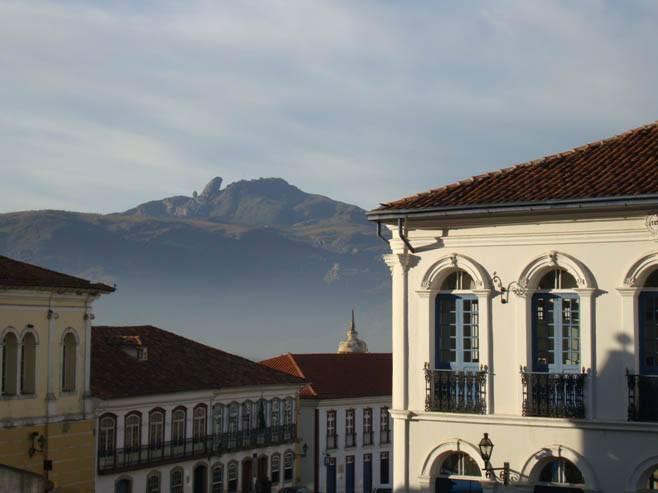 Moradia e Morro de Ouro Preto
