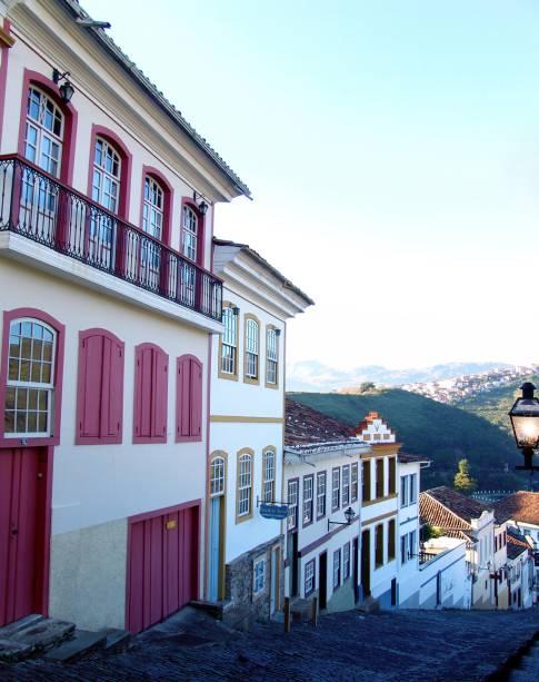 Rua do Centro Histórico na cidade;  Ouro Preto foi fundada no final do século 17 e viveu um período de glória durante o ciclo do ouro em Minas Gerais