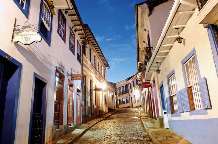 """Via Bernardo de Vasconcelos, no centro histórico de Ouro Preto (MG);  Existem dezenas deles na região""""http://viajeaqui.abril.com.br/estabelecimentos/br-mg-ouro-preto-atracao-gemas-e-pedras-preciosas"""" rel =""""Lojas que vendem pedras preciosas"""" Objetivo =""""_vazio""""><noscript><img data- src="""