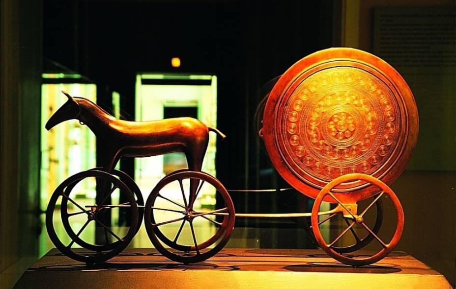 Carruagem ao pôr do sol no Museu Nacional de Copenhague
