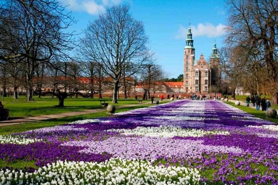 Jardins do Castelo Renascentista de Rosenborg em Copenhague em nome de Christian IV