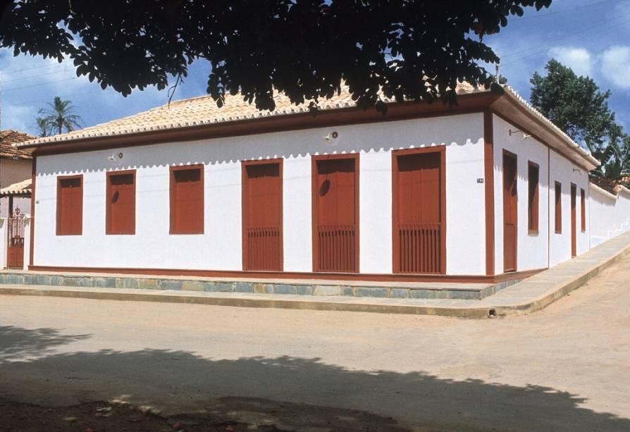 Os amantes da literatura não podem deixar de ver a casa onde viveu o escritor Guimarães Rosa, convertida em pequeno museu