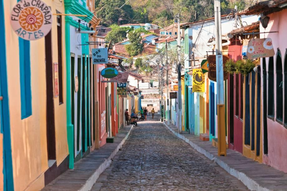Rua de Lençóis, a cidade mais charmosa da Chapada, com muitos restaurantes e tabernas