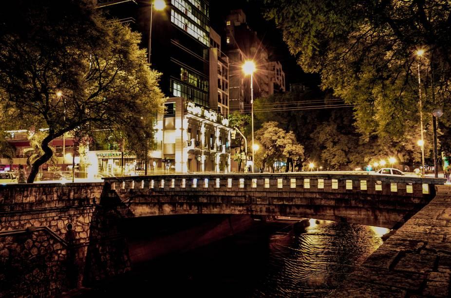 O canal La Cañada é um dos lugares mais visitados de Córdoba e oferece ao turista uma vista esplêndida.