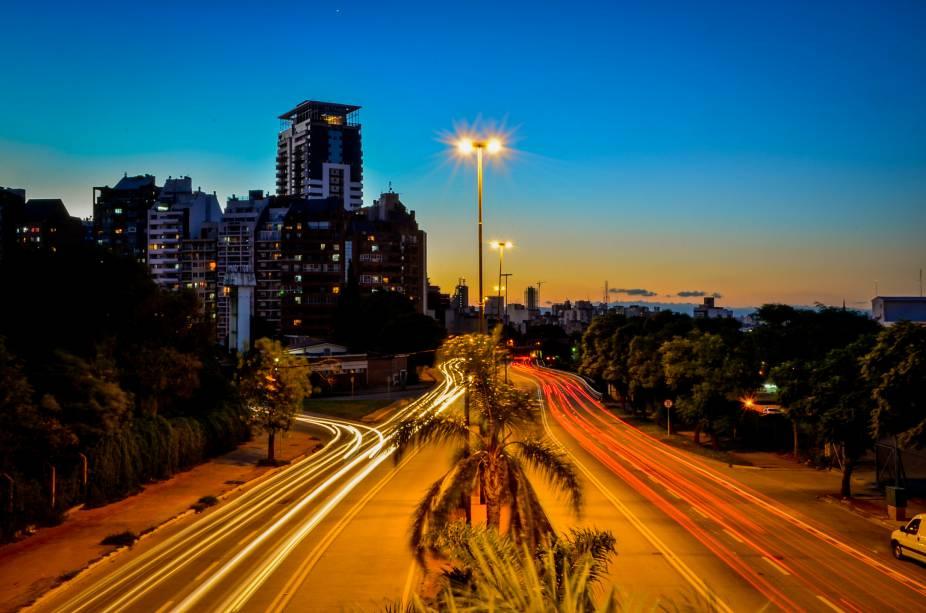 A Avenida Sabattini é uma das principais ruas de Córdoba e conecta o centro com outras partes da cidade.  É para a cidade como São Paulo está para a Avenida Paulista