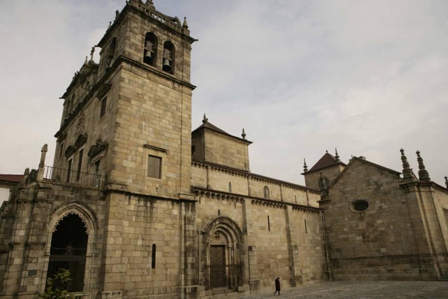 Com mais de 30 igrejas, Braga é considerada a capital religiosa de Portugal.  A Catedral da Sé, construída no século 12, é a arquidiocese mais antiga do país