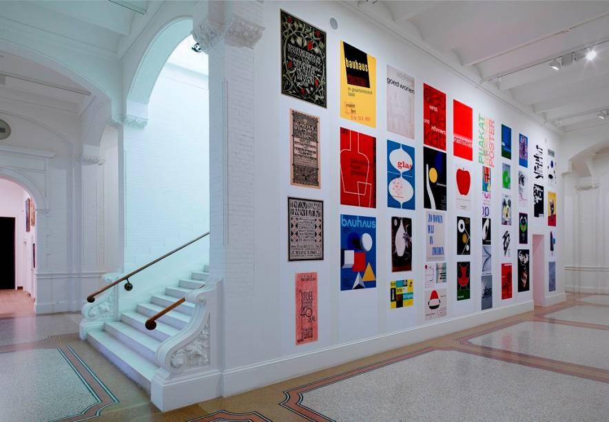"""Exposição de artes visuais a""""http://viajeaqui.abril.com.br/estabelecimentos/holanda-amsterda-atracao-museu-stedelijk"""" rel =""""museu da cidade"""" Objetivo =""""_vazio""""> Museu da Cidade"""" class=""""lazyload"""" data-pin-nopin=""""true""""/></div> <p class="""